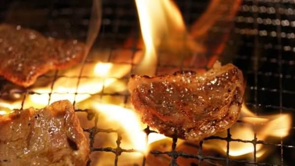 めちゃ美味しそうな焼肉の肉の画像